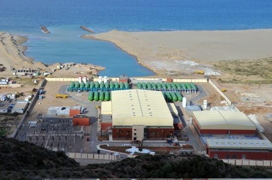 GS이니마가 지난 2011년 상업운전을 개시해 일일 20만톤 규모의 담수를 생산, 판매하고 있는 알제리 모스타가넴(Mostaganem) 해수 담수화 플랜트 전경 (GS건설 제공)
