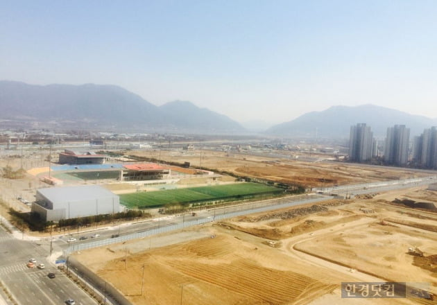 하남운동장과 체육시설, 조성중인 미사강변도시 전경( 사진=LH)