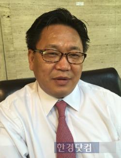 한국 자본시장의 철학과 문화가 바뀌어야 한다고 주장하는 존 리 메리츠자산운용 대표.