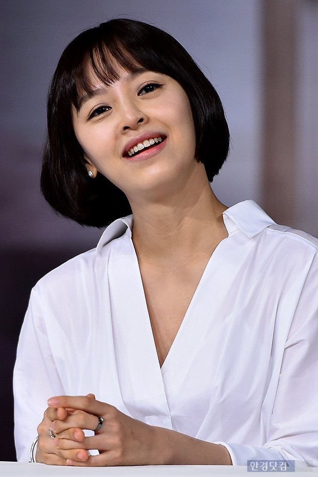 ↑강성연, '나이 잊은 절대 동안'