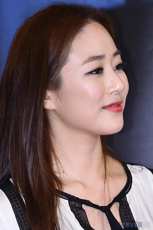 ↑김효진, '말이 필요 없는 꿀피부'
