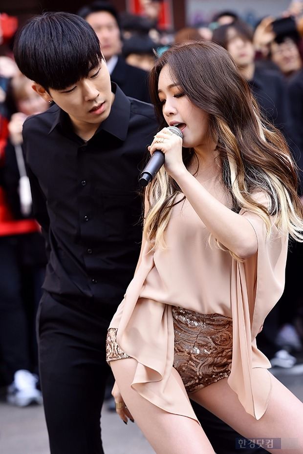 '1박2일' 민아·박보영·문근영 출연, 민아, 방송 중 너무 짧은 치마에…(사진=진연수 한경닷컴 기자)