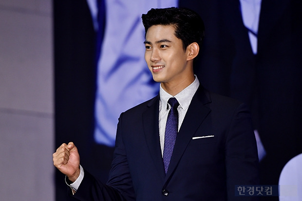 잘생겨진 택연, '옥빙구' 미소까지 팔색조 매력남