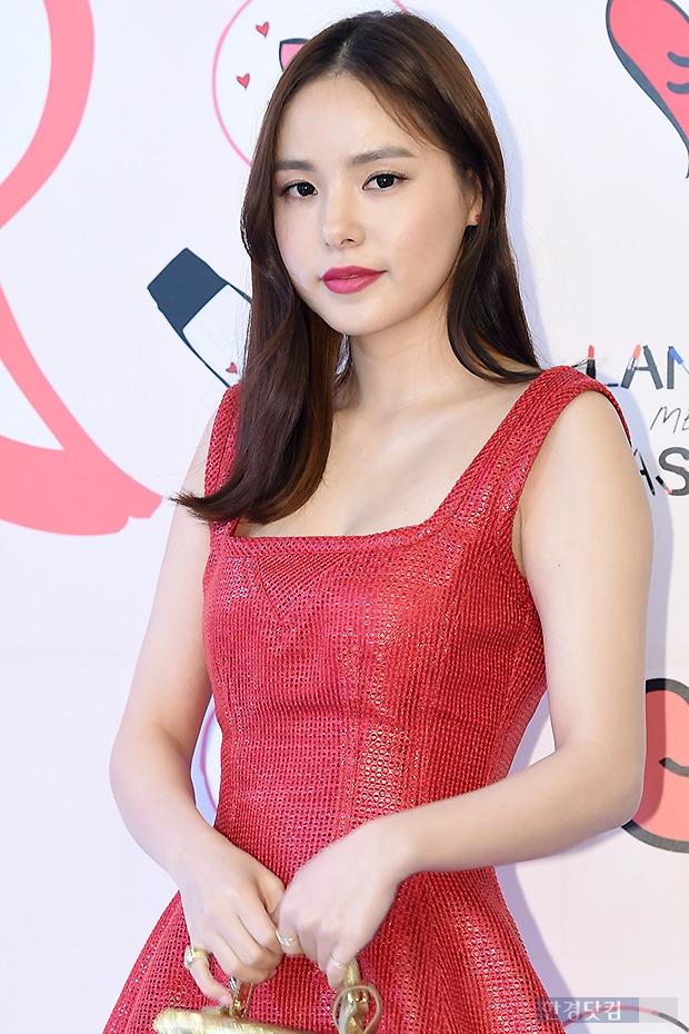 ▶ 민효린, '눈 뗄 수 없는 아름다운 미모~'