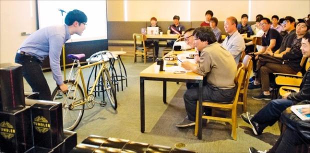 한양대 에리카캠퍼스에서 추진하는 '산·학·연 클러스터 교육'의 일환인 창업 아이디어 오디션에 참가한 학생들이 아이디어를 선보이고 있다. 한양대 에리카 제공