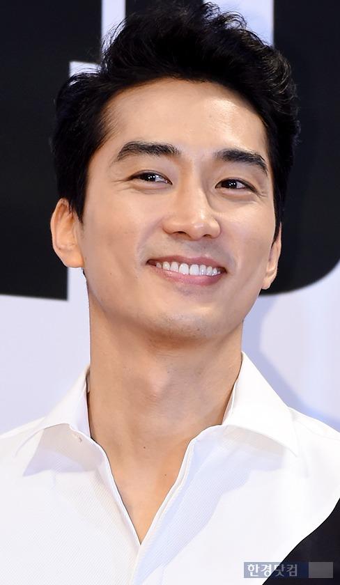 ▶ '열애인정' 송승헌, '시종일관 싱글벙글~'