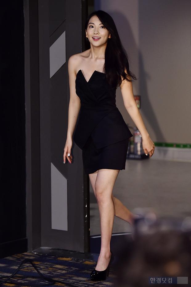 강지영, '군살 찾아 볼 수 없는 몸매'