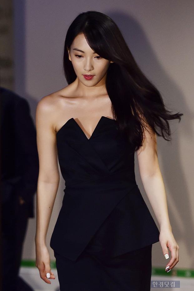 강지영, '시선 사로잡는 무결점 몸매'