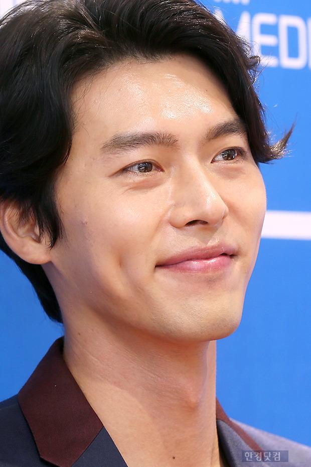 ▶ 현빈, '물 고일 듯 매력적인 보조개~'