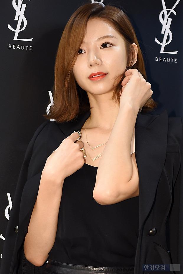 ▶ 박수진, '배용준도 반하게 만드 단아한 모습~'