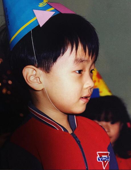 그레이 어린시절 /사진=그레이 인스타그램