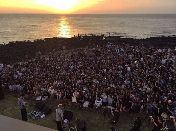 지난 27일 혁오밴드가 '애월몽상'에서 게릴라 콘서트를 열었다. /오혁 인스타그램 캡쳐