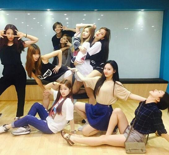 트와이스 20일 데뷔/트와이스 인스타그램