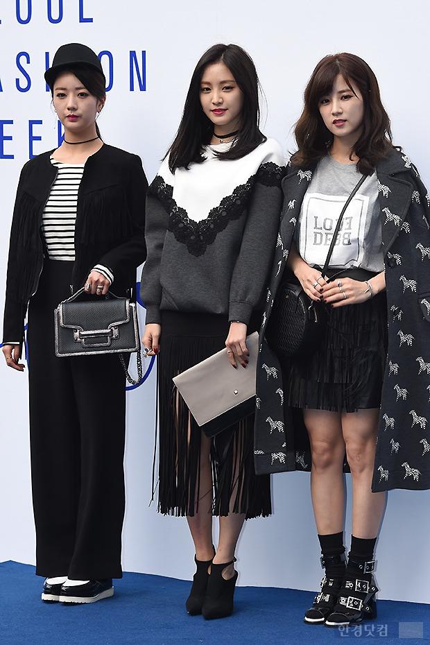 ▶ 윤보미-손나은-박초롱, '그래도 마지막까지 우아하게'