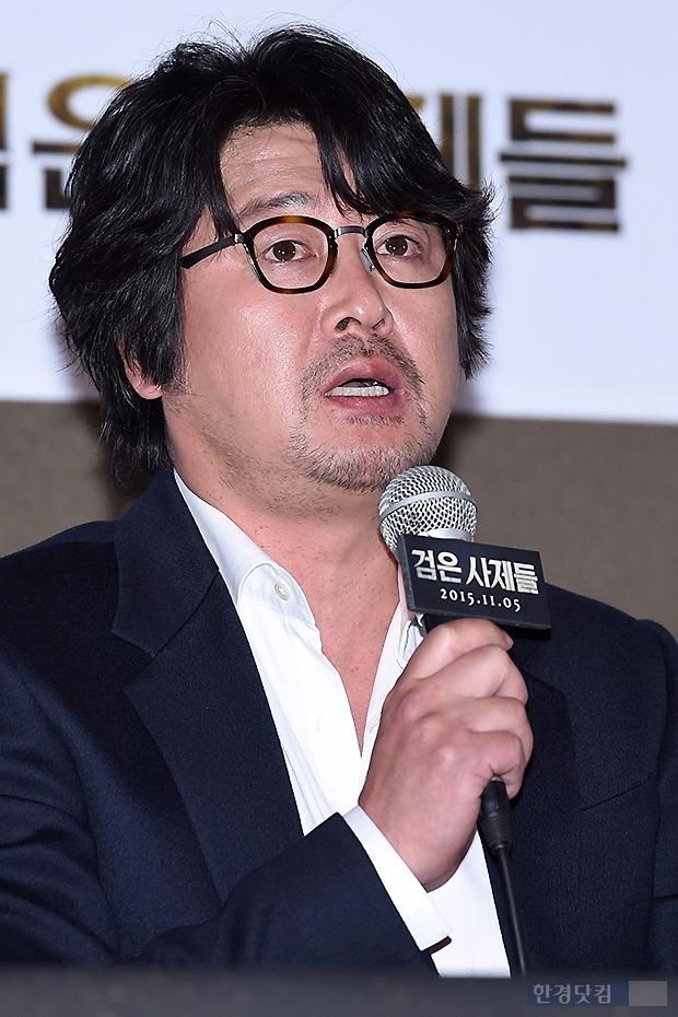 '검은 사제들' 김윤석 강동원  /사진 변성현 기자