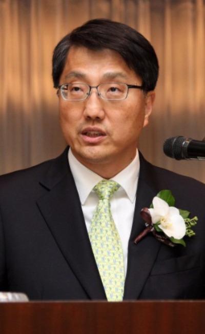 진웅섭 금융감독원장