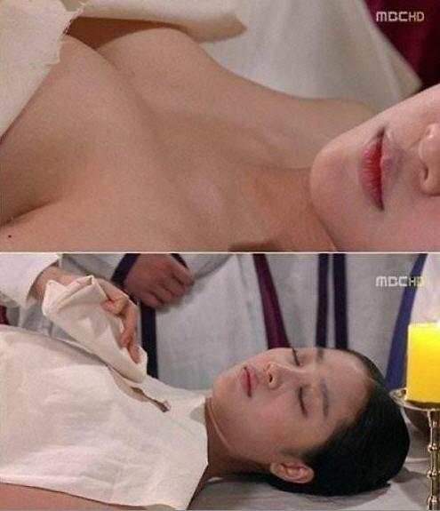 '부탁해요 엄마' 조보아, 파격적인 가슴 노출 '선정선 논란' 구설  /MBC '마의' 방송 캡쳐