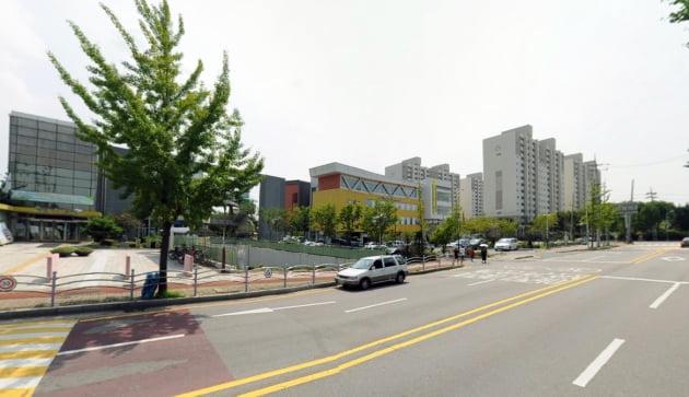 안산시 선부동 군자주공 12단지와 단원어린이도서관 안산글로벌다문화센터 전경