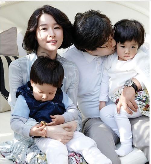 '송승헌과 호흡' 이영애 '송승헌과 호흡' 이영애 / 사진 = 엘르 화보