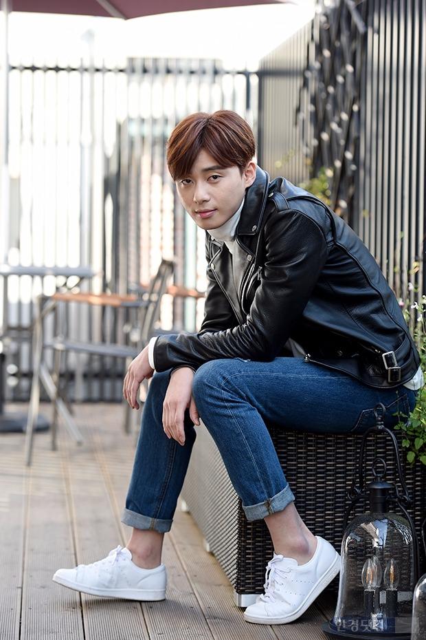배우 박서준이 한경닷컴과의 인터뷰에서 포즈를 취하고 있다. /변성현 기자