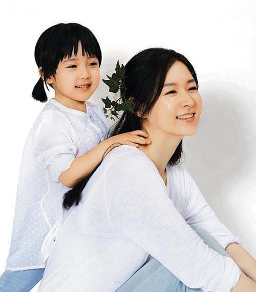 이영애 화보 / 사진 = 리아네이처