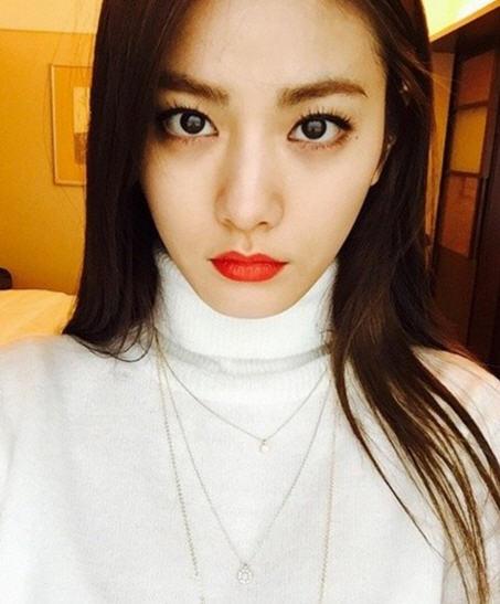 세계에서 가장 아름다운 얼굴 1위 나나 /나나 SNS