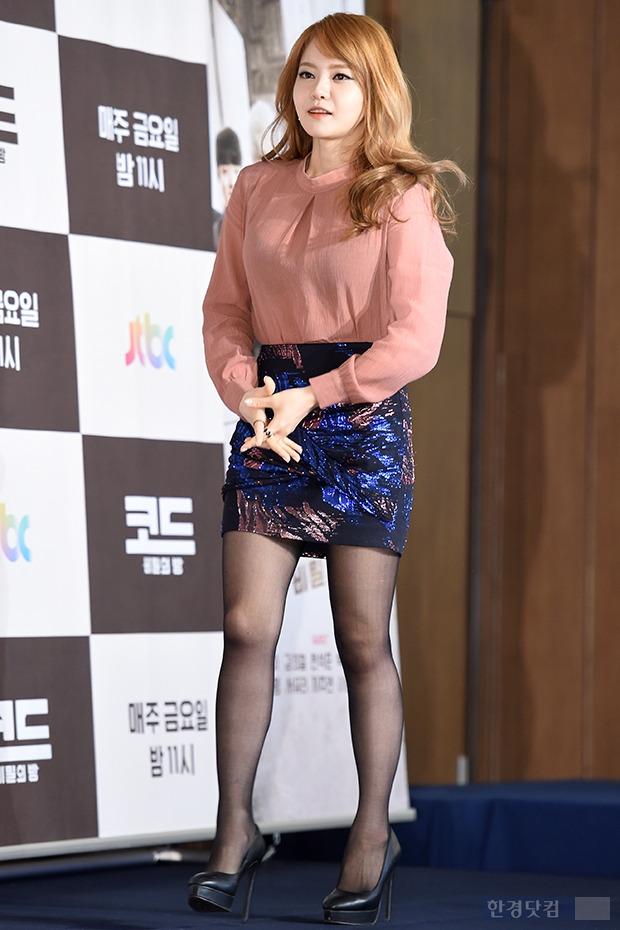 ▶ 서유리, '초미니에 드러난 늘씬한 각선미~'