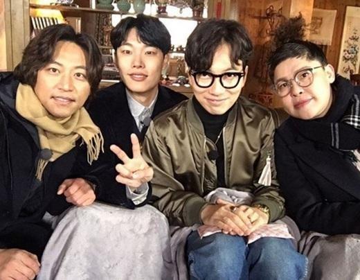 택시 류준열 이동휘 택시 류준열 이동휘/사진=tvN 인스타그램