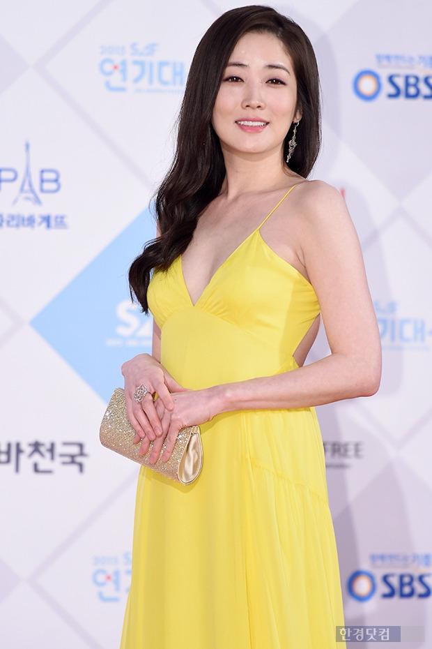 ▶ 최정원, '감탄 나오는 눈부신 자태~'