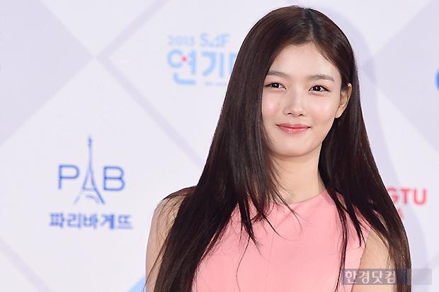 ▶ 김유정, '어느새 숙녀로 변신~'