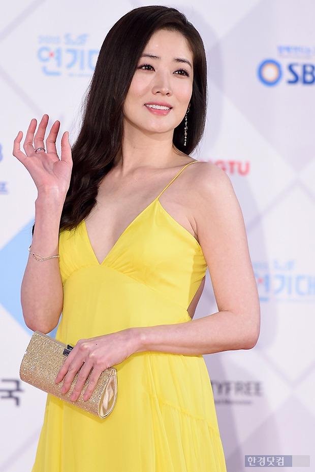 ▶ 최정원, '감탄 나오는 아름다운 미소~'