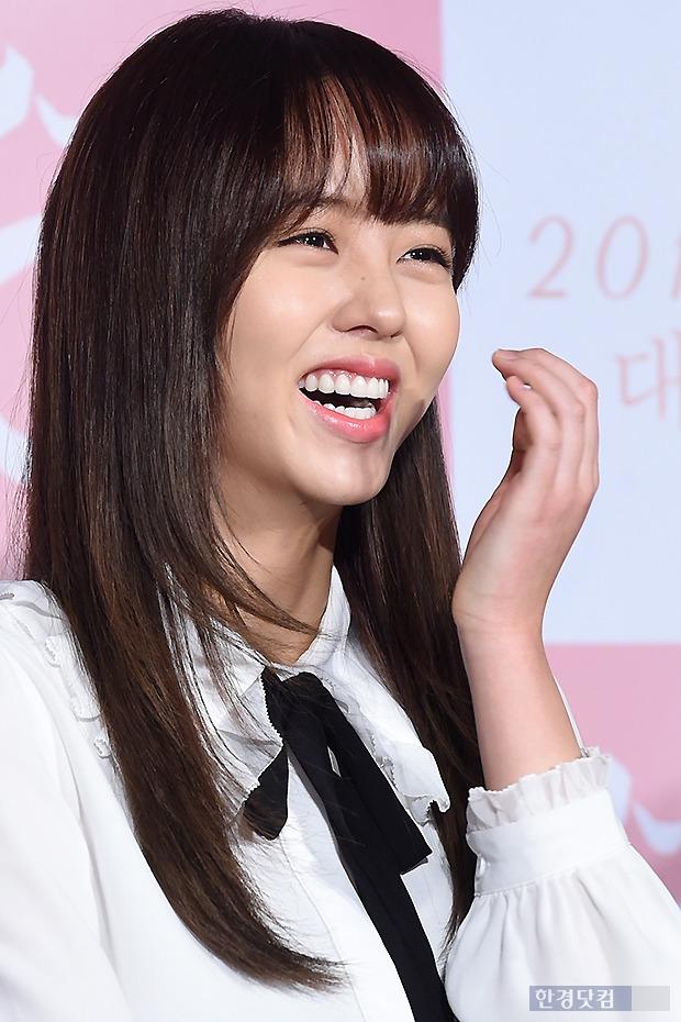 ▶ 김소현, '아이처럼 천진난만한 미소~'