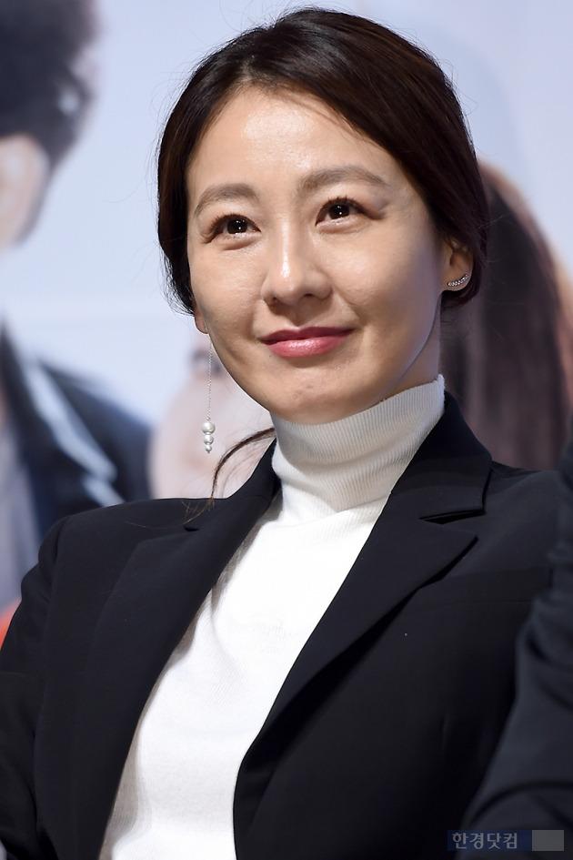 ▶ 이미연, '세월이 흘러도 여전한 꽃미모'
