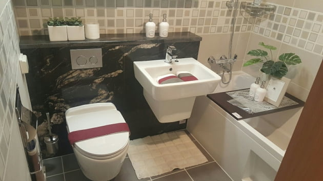 층상배관 시스템을 적용한 신반포자이 욕실.