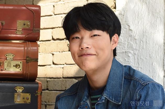배우 류준열이 '꽃보다 청춘-아프리카'에서의 추억을 털어놨다. /사진=변성현 기자