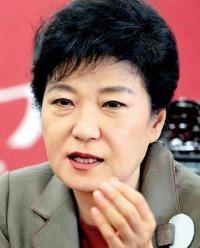 박근혜 대통령 지지율, 취임 후 최저   / 사진 = 한경DB