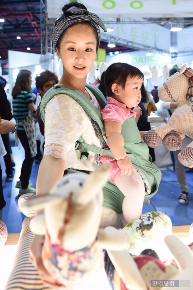 김가연과 딸 하령 양. /사진=변성현 기자