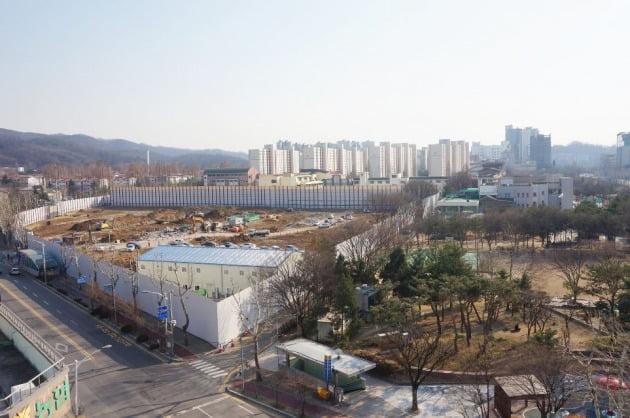 '래미안 과천 센트럴스위트' 공사 현장.