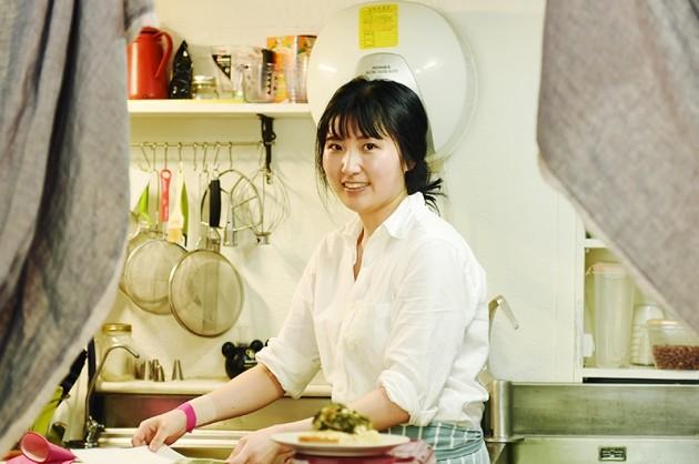 제과점 '프레이야'를 운영하는 김윤정 파티셰. 그는 매장을 오픈한지 6개월 만에 200여개에 달하는 새로운 케이크들을 만들어냈다. / 사진= 최혁 한경닷컴 기자 chokob@hankyung.com
