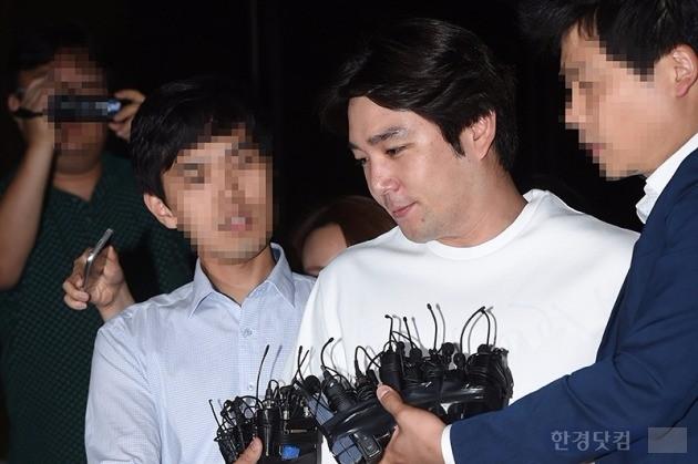 강인, 음주운전 사고 혐의 검찰 출석 /사진=최혁 기자