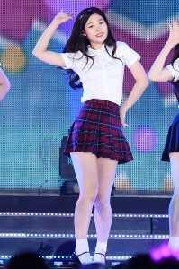다이아 정채연, '교복 입고 청순하게'