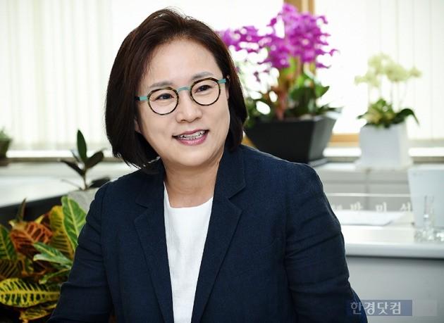28일 한경닷컴과 인터뷰하는 박미석 숙명여대 교수. / 최혁 기자