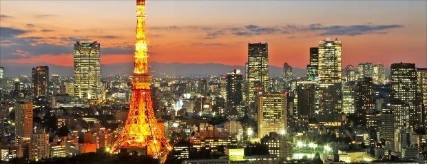도쿄타워가 보이는 일본 도쿄시내 야경