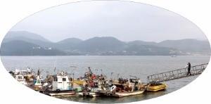 전남 여수의 섬달천 마을 포구
