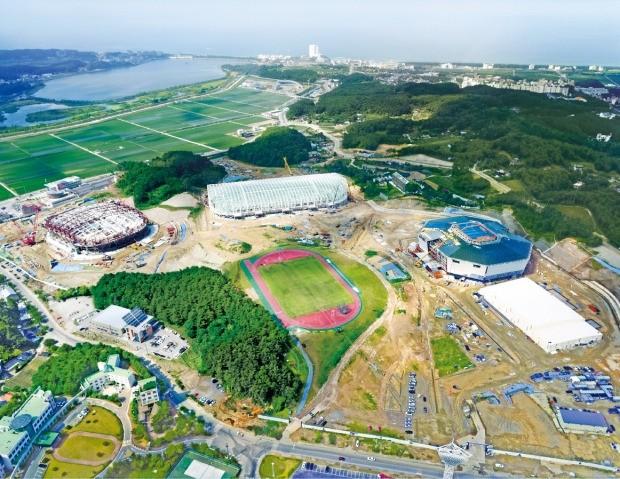 공사 중인 강릉 올림픽파크 전경