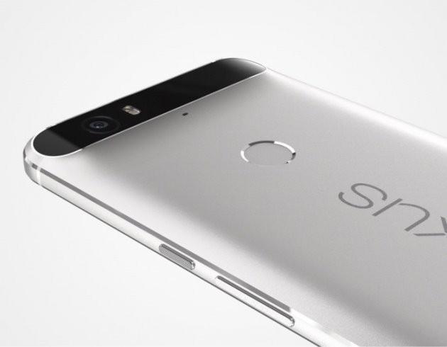 그간 구글은 삼성전자, LG전자, 화웨이 등 제조사에 단말기 개발 및 생산을 맡기고, OS와 애플리케이션만을 개발해왔다. 사진은 구글의 넥서스폰.