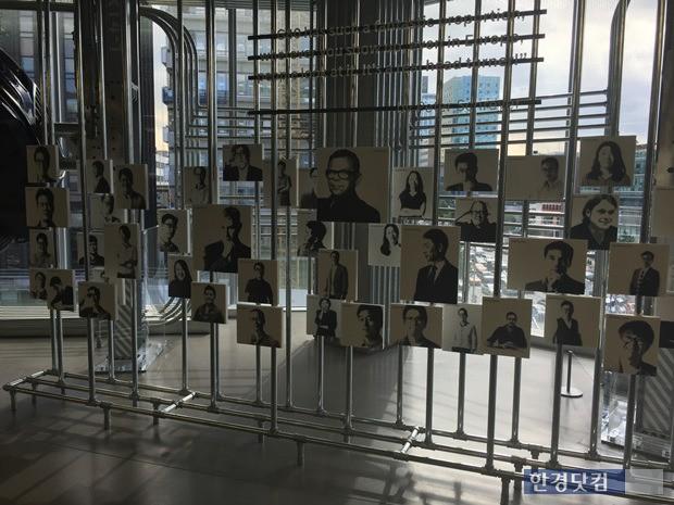 한국과 미국, 독일에서 일하고 있는 현대차 디자이너들의 얼굴 사진이 전시장 4층에 걸려 있다. 제네시스 G80 디자인 작업에 참여한 구성 멤버이기도 하다.