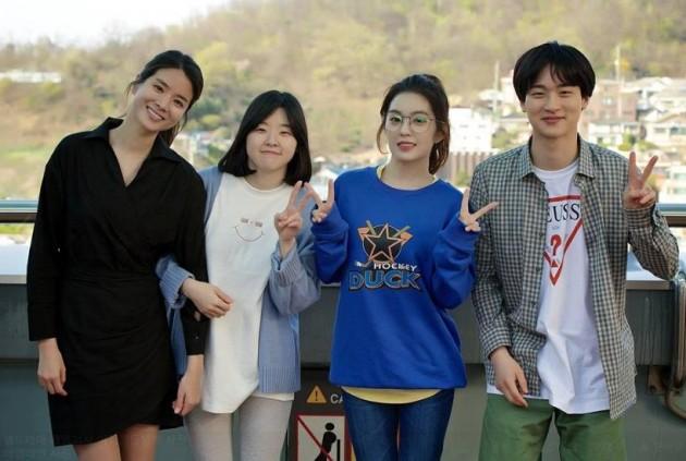 '게임회사 여직원들' 이민지, 아이린 /사진='게임회사 여직원들' 공식페이스북