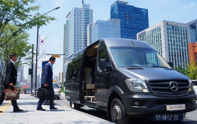 벤츠의 13인승 미니밴 '스프린터'는 서울지역 심야 콜버스 운행을 27일 시작한다. (사진=다임러트럭코리아 제공)