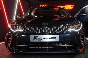 2017 K5 GT-Line, '군더더기 없는 디자인'